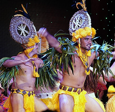 305. Tahiti Polynesian Show
