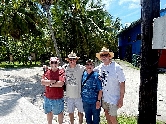 44f Rick Robert Mary Bill at Rangiroa