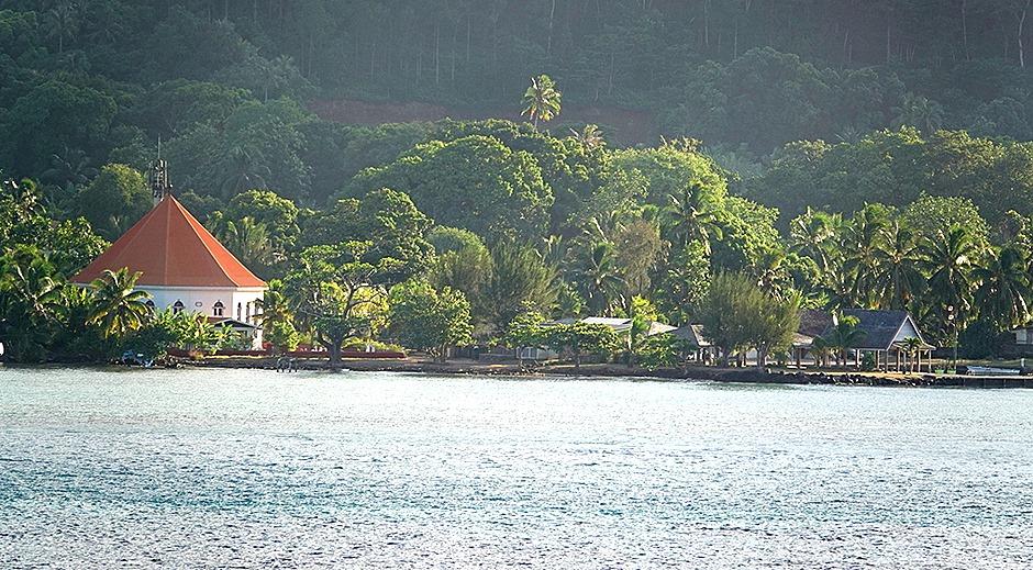 94. Opanuhu Bay, Moorea