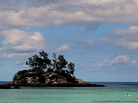 226a. Victoria, Mahe, Seychelles_stitch