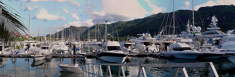 235a. Victoria, Mahe, Seychelles_stitch
