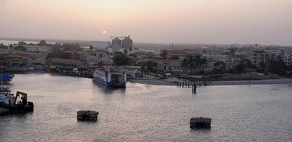 192a. Banjul, The Gambia_stitch