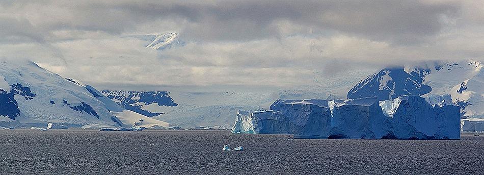 195a. Antarctica (Day 1) edited_stitch