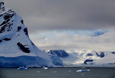230a. Antarctica (Day 1) edited_stitch