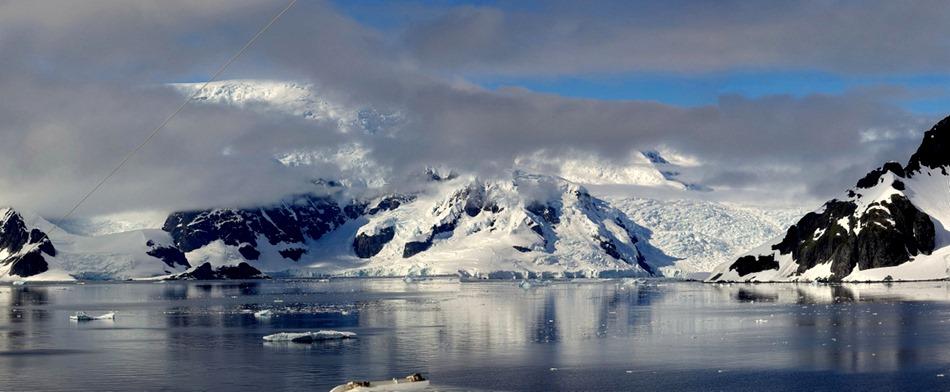 260a. Antarctica (Day 1) edited_stitch