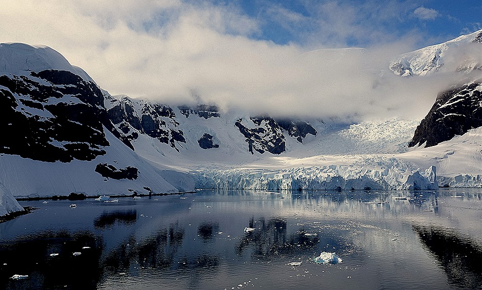 324a. Antarctica (Day 1) edited_stitch