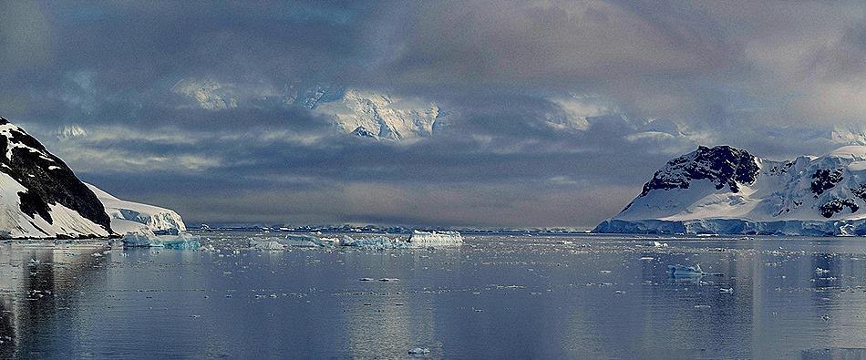 386a. Antarctica (Day 1) edited_stitch