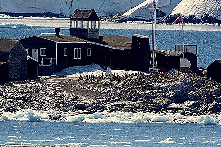 416a. Antarctica (Day 1) edited_stitch