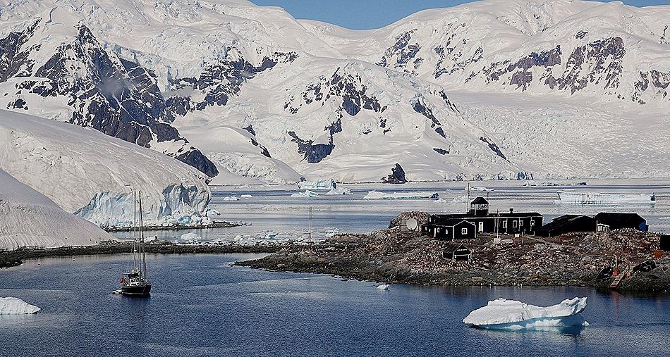 476a. Antarctica (Day 1) edited_stitch