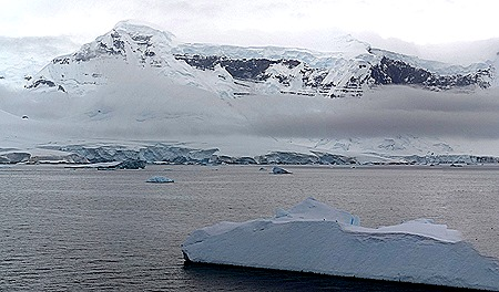 64a. Antarctica (Day 2)_stitch