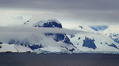 656a. Antarctica (Day 1) edited_stitch