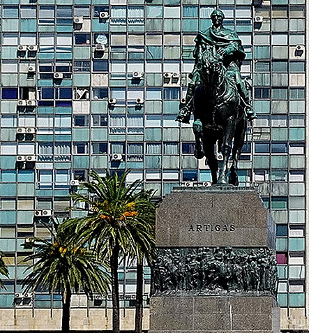 48. Montevideo, Uruguay