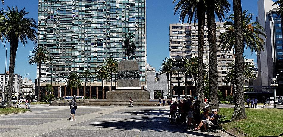 48a. Montevideo, Uruguay_stitch