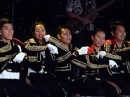 19. Indonesian Crew Show