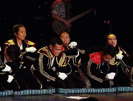 22. Indonesian Crew Show