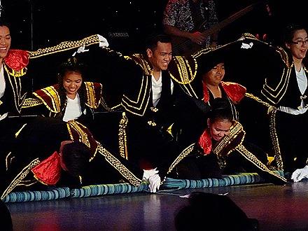 23. Indonesian Crew Show