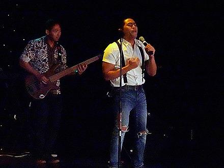 32. Indonesian Crew Show